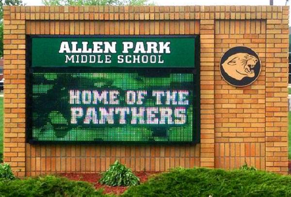 Outdoor LED School Board